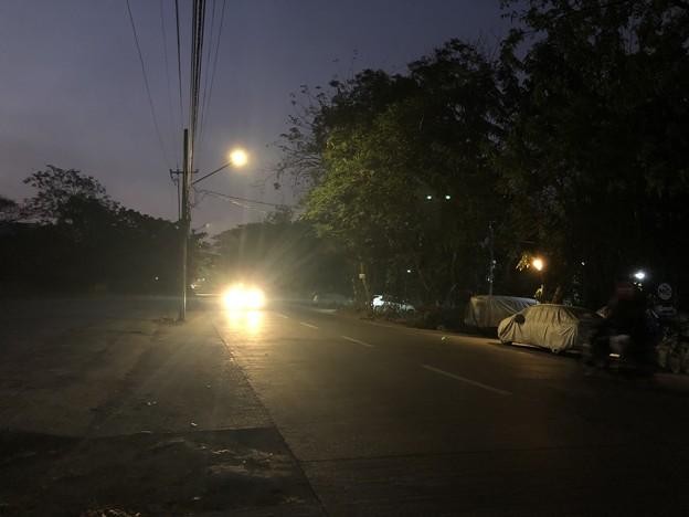 霧深い2月12日のヤンゴンの朝 (3)