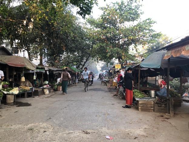 土曜日のヤンゴン2月13日 (11)