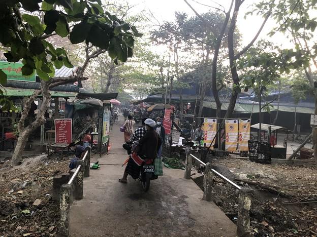 土曜日のヤンゴン2月13日 (7)
