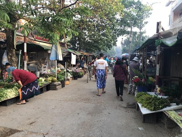 土曜日のヤンゴン2月13日 (15)