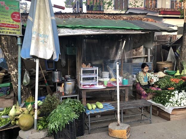 土曜日のヤンゴン2月13日 (16)