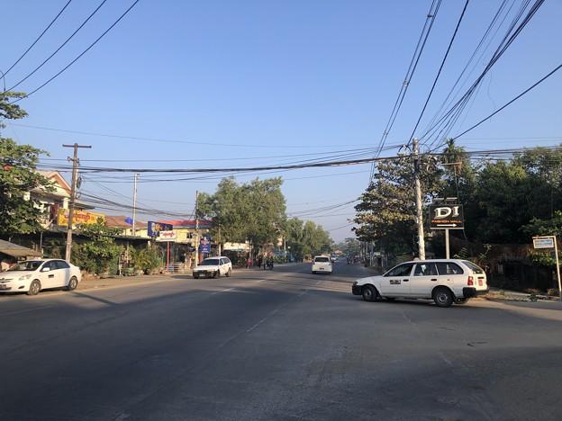 ヤンゴン 日曜日の朝 2月14日 (19)