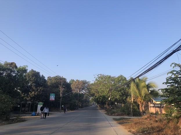 ヤンゴン 日曜日の朝 2月14日 (18)