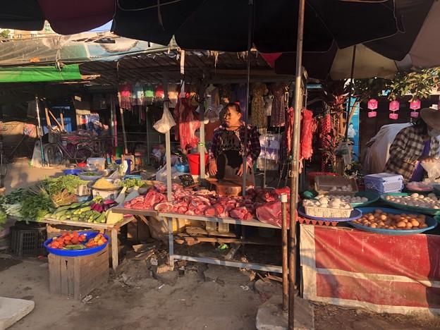 ヤンゴン 日曜日の朝 2月14日 (12)