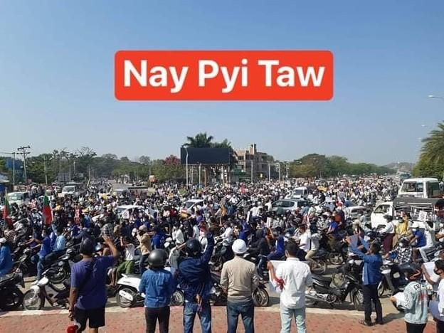 ミャンマー2月22日の大規模デモ (2)