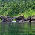写真: 奇石 眼鏡岩