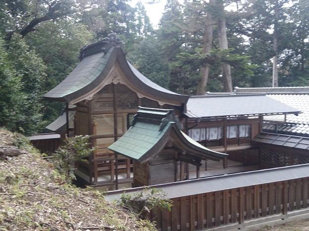 008眞木山神社A07 本殿背部から拝殿
