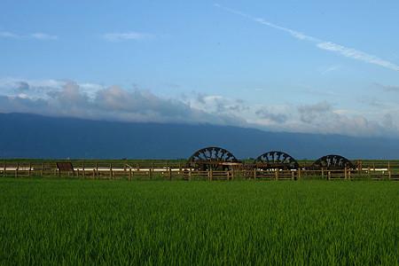 朝倉市菱野の三連水車