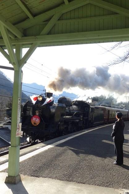 Photos: SL初詣号 ~浦山口の正月~ 2カット