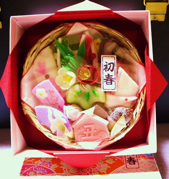 色が美しい京菓子召し上がれ