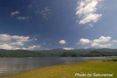 桧原湖からの西吾妻山
