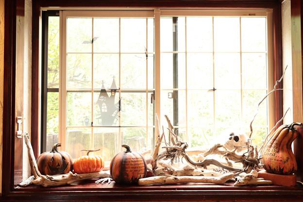 窓際のハロウィン