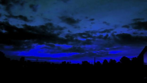 不安な夜明け-01(1-2)