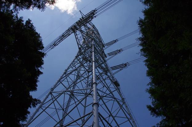 尾根の鉄塔