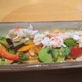 写真: たらばがにと23品目サラダ