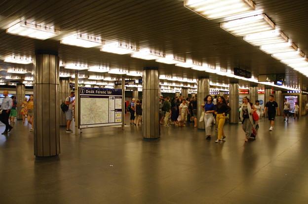 Photos: デアークフェレンツ広場駅
