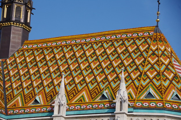 マーチャーシュ教会のタイル