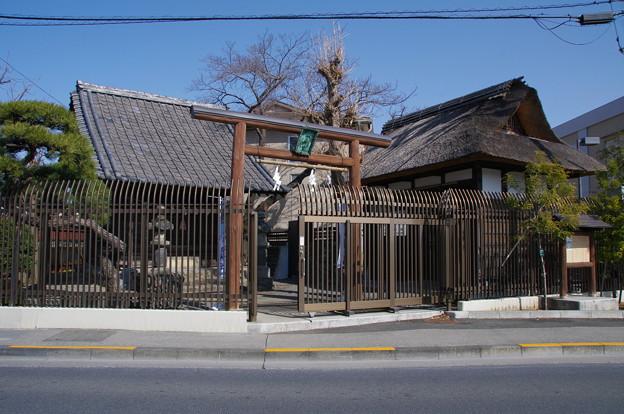 水神社と陣屋跡