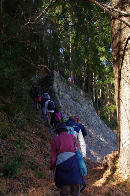 建康寺の崖