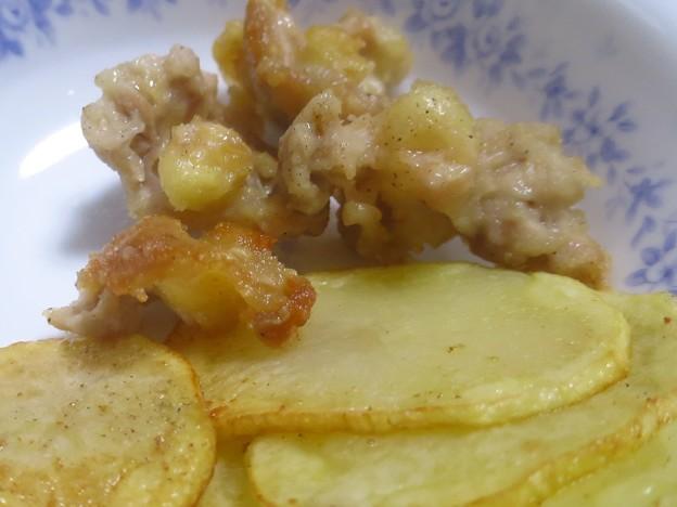 IMG_6235 鶏軟骨とジャガイモの揚げたの