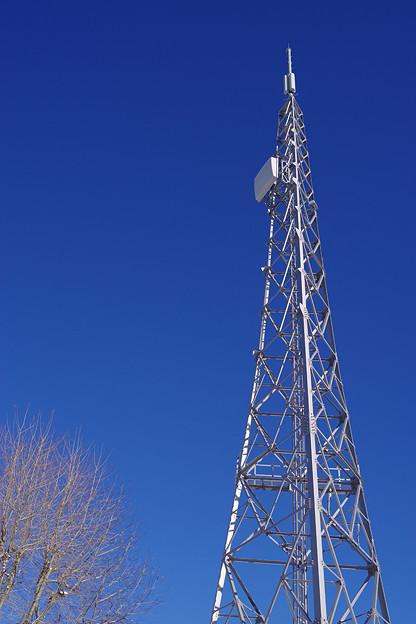 青い空と電波塔