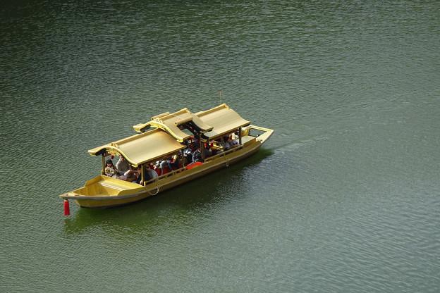 金色の御座船