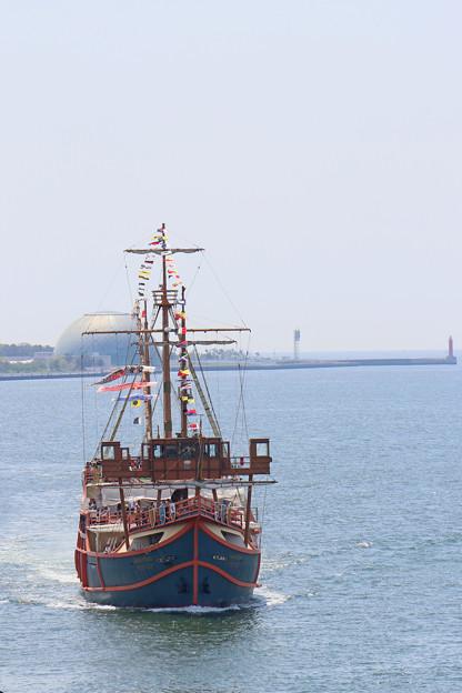 サンタマリア入港