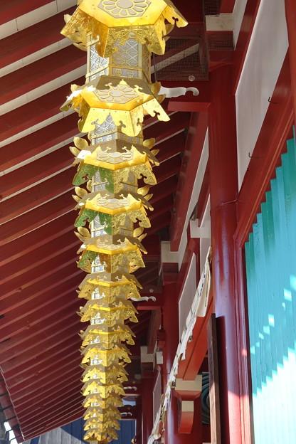 亀井堂の灯篭