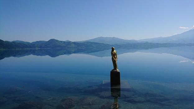 田沢湖 辰子像