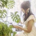 Photos: 植物を愛する人