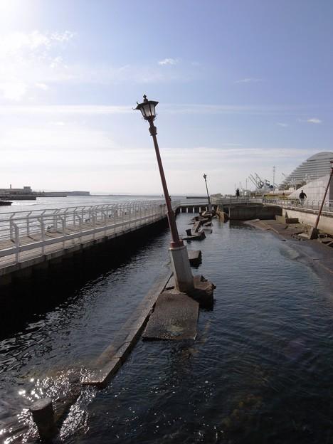 写真: 神戸港震災メリケンパーク01