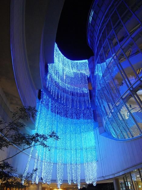"""写真: 日本最大級のスケール""""光の滝"""":光の旅02"""