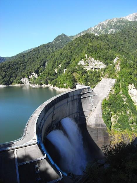 黒部ダム01:貯水量2億トン
