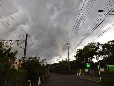 写真: 怪しい雲~逗子