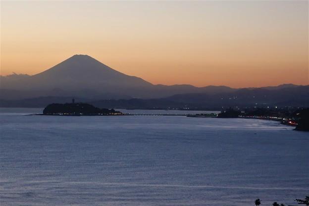 Photos: 夕暮れ富士~大崎公園
