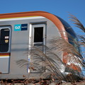 Photos: 電車が来た、今だ!