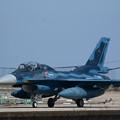 Photos: ハンガーへと帰還するF-2B