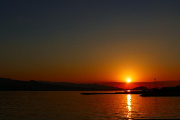 船の上からの夕陽