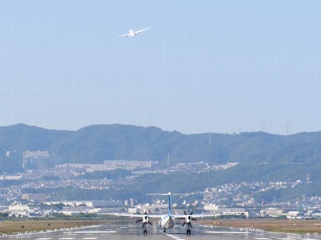 Photos: DHC8-Q400