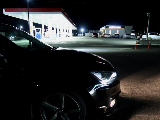 写真: 燃料補給