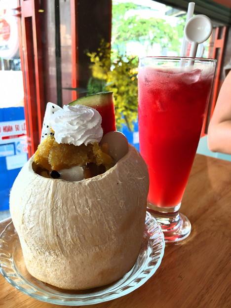 ココナッツアイスと西瓜ジュース