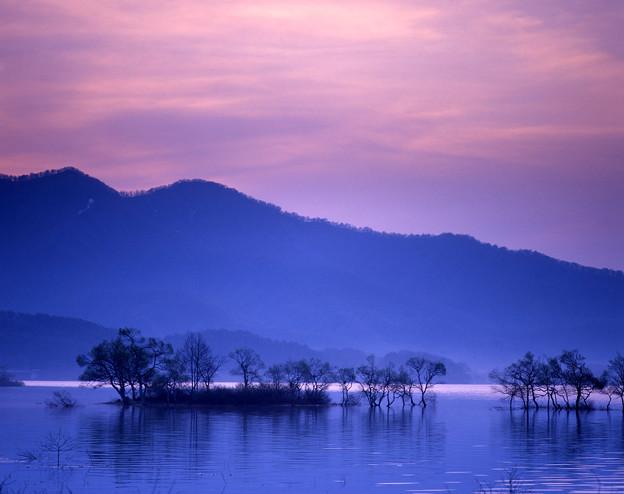 写真: 黎明檜原湖