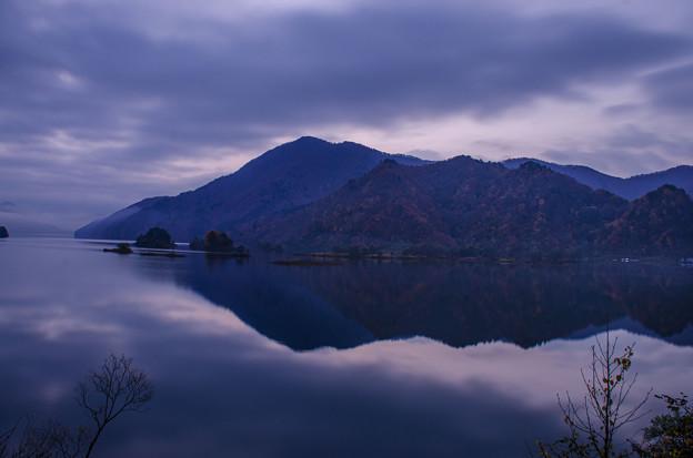 黎明「秋元湖」