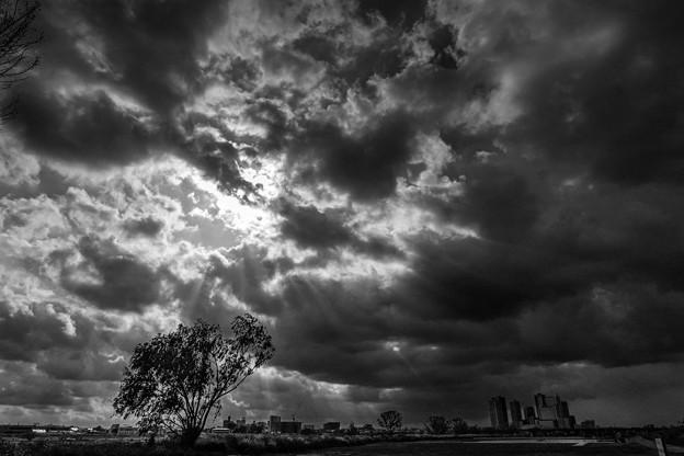 Photos: 雷雨前