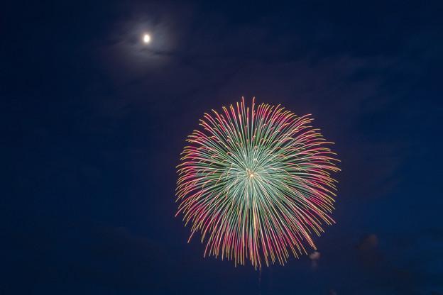 Photos: 月夜の花火