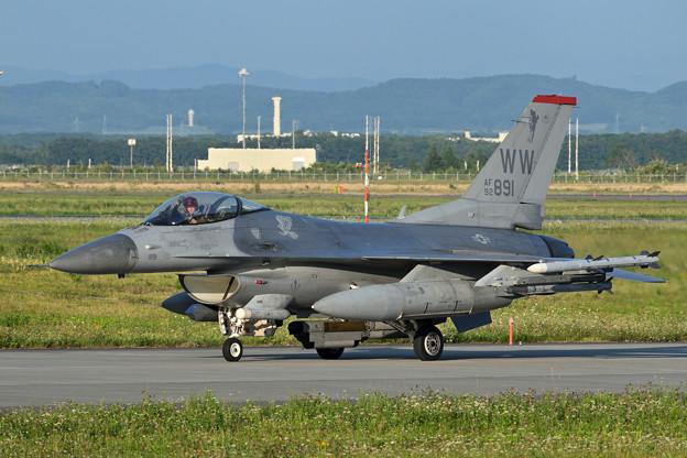 F-16C 92-3891 WW 13FS/35FW