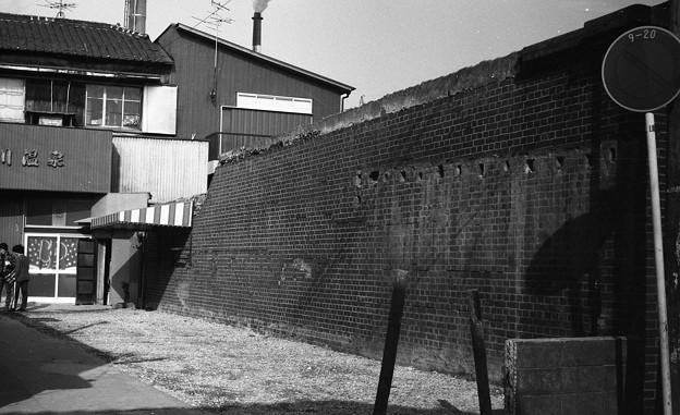 S53大和川沿いのレンガ塀3