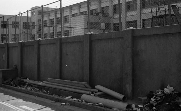 S53 泉陽高校の塀1