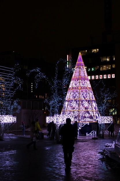 第37回さっぽろホワイトイルミネーション 札幌駅南口駅前広場会場 (1) (933x1400)