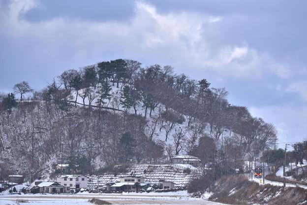 Photos: 雪のリゾートしらかみ